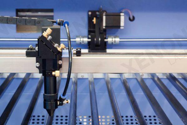 Lazer kesim makinası metal kesim